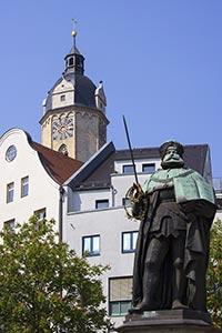 Hanfried-denkmal-auf-dem-Markt-von-jena